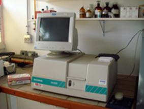 Laboratório de Bioquímica e Transplante Hepático(espectofotometro)