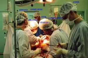 Figura 6 - Foto do 1º transplante de Fígado do HC-FMRP-USP em 1º de Maio de 2001