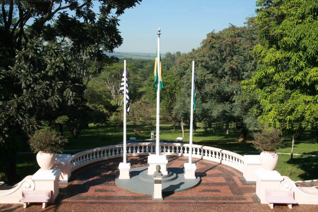 mastro bandeiras
