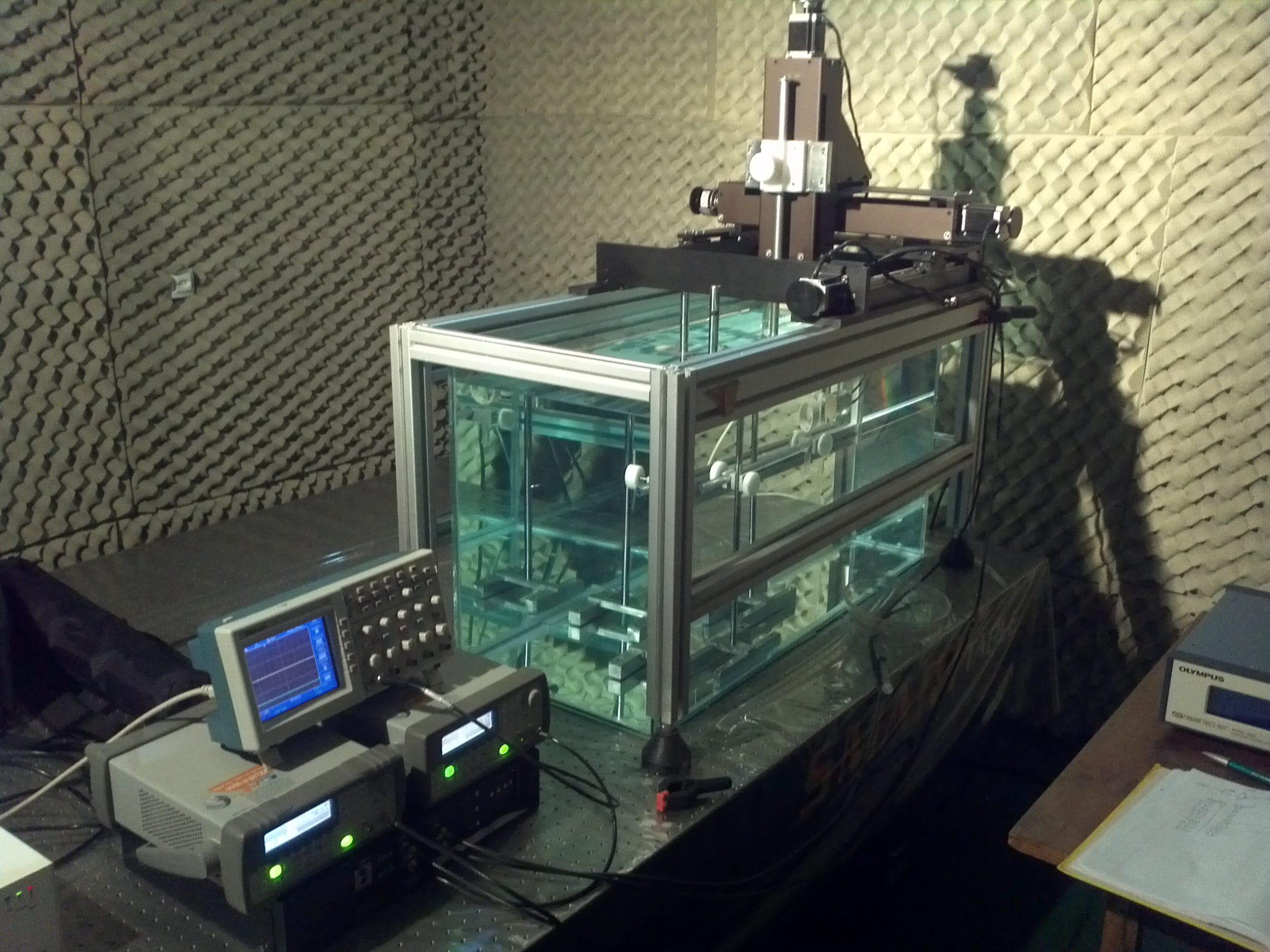 Sistema de rastreio 3D e tanque acústico