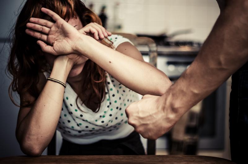 Especialista analisa Lei Maria da Penha e violência contra a mulher