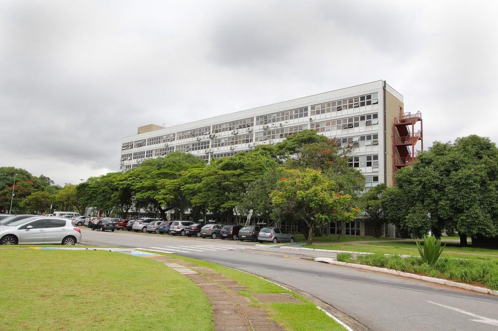 Bloco Administrativo  Foto Márcio Santos/ USP Imagens